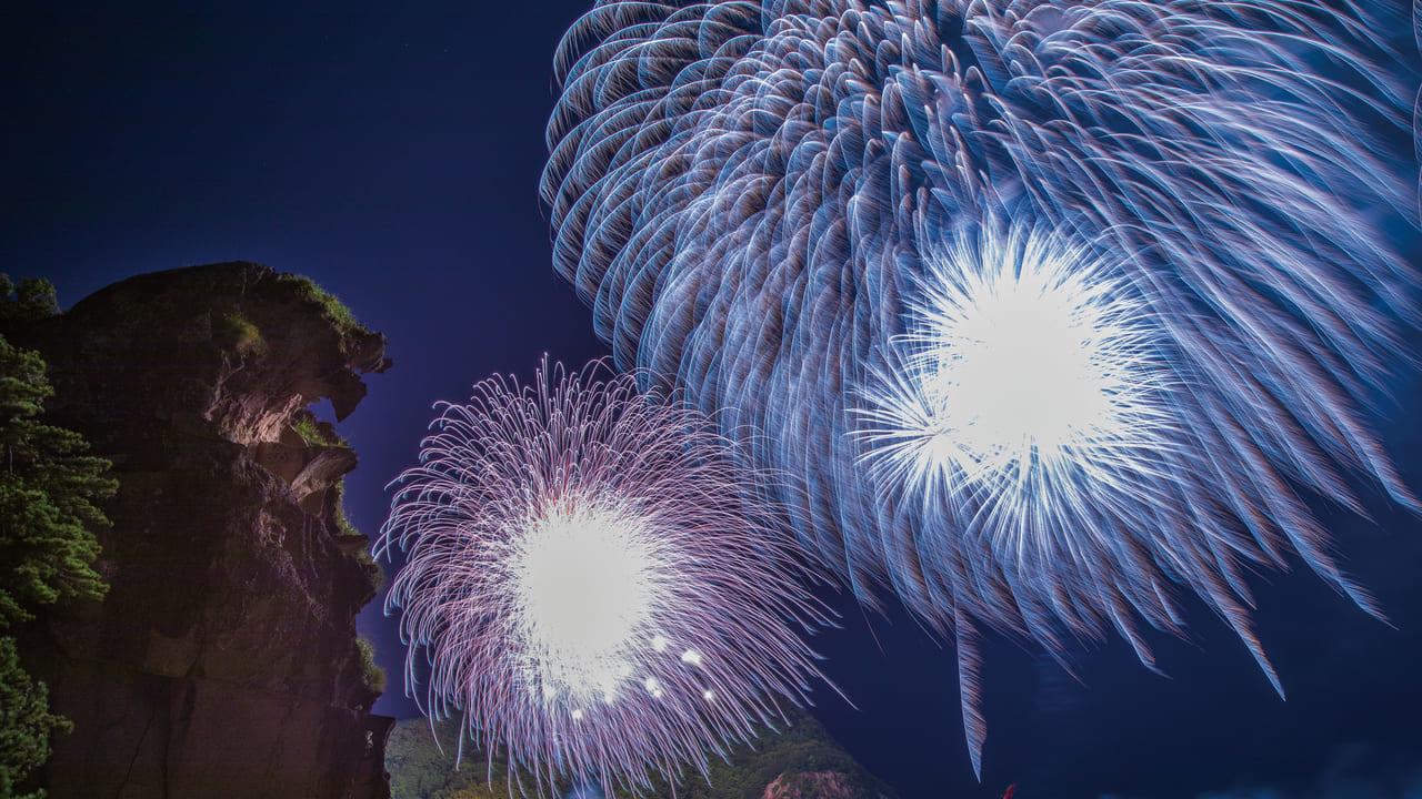 熊野花火と獅子岩